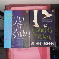 buku let it snow dan looking for alaska