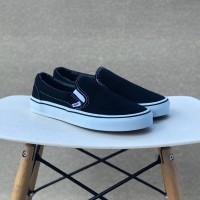 Sepatu Vans Slip On Classic Black n White BNIB Original Premium