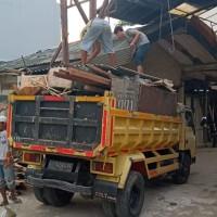 jasa buang sampah renovasi rumah kayilu