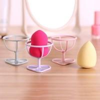 Dudukan Beauty Blender dengan 3 Pilihan Warna untuk Make Up
