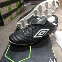 Sepatu Bola Umbro Speciali Eternal Pro Hg