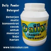Deterjen Daily Powder / Detergent Laundry 1 Kg / 1kg