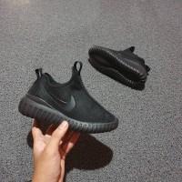 Sepatu nike slip on kids 31-35