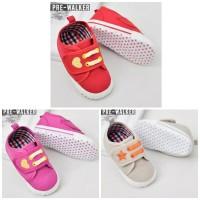 Sepatu prewalker / Sepatu bayi bintang
