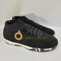 Sepatu Futsal Ortuseight Jogosala Invicta Black 11020112