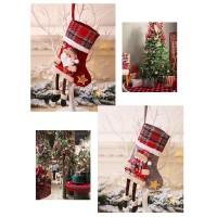 Kaos Kaki Gantung Motif Natal untuk Dekorasi