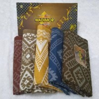 Sarung Wadimor Bali Motif Kembang Balian Kode 826