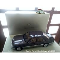 Miniatur Autoart Dealer Mercedes Benz 320E W124 Masterpiece Skala 1:18