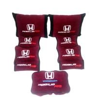 Honda Mobilio Rs Bantal aksesoris mobil maroon hitam