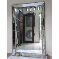 Cermin hiasan dinding ruang tamu