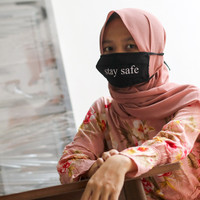 Masker Kata Non Medis Kain Nikita Premium dengan Slot Tissue Hitam - stay at home