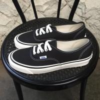 Sepatu Wanita Vans Authentic 44 Dx Anaheim Black White Original