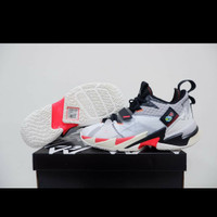 sepatu basket air jordan why not zero 3 unite white red