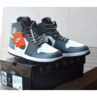 Sepatu Sneakers High Nike Air Jordan Retro Basket Termurah Abu Putih