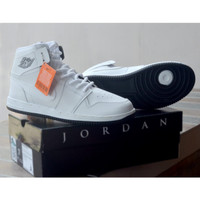 Sepatu Sneakers High Nike Air Jordan Retro Basket Termurah Putih