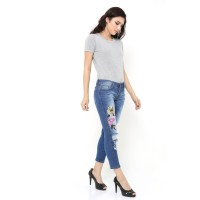 Ripped Jeans SALE - PUSS UP Janessa Crop Ripped Jeans Wanita Jeans