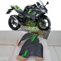 Body fairing fering samping atas kanan ninja 250 fi New MDP Original