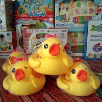 Mainan Bayi Bebek Floating Duck Main di Air dan Berbunyi
