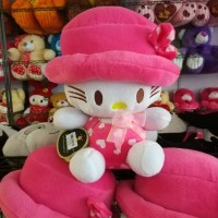 Boneka Hello Kitty Topi M