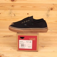 Sepatu Vans Authentic Black / Gum Premium