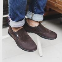 Sepatu Pria Slip On Kasual Santai Adidas Glen Coklat