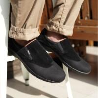Sepatu pria Adidas Slip On Kasual Slop Glen Hitam