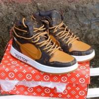 Sepatu Sneakers Pria Wanita Unisex Couple Nike Air Jordan X Lou is