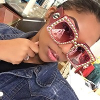Kacamata Hitam Wanita Lensa Polarized Frame Kotak Hias Mutiara Mewah
