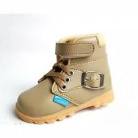 Sepatu Boot Anak Laki-Laki Model Gesper (HN71)