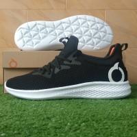 Ortuseight Phyton (Sepatu Running Casual) - Black/White