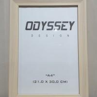 Frame/Figura/Bingkai Oddysey 8RP 21x30 Cm Serat Kayu Cream