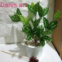 Set tanaman Daun bintik/ Daun hijau palsu/ Bunga plastik/ Daun hias