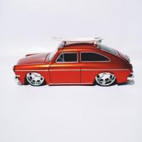 Jada Toys Diecast 1965 Volkswagen 1600 TL Fastback