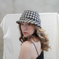 Houndstooth Bucket Hat l AVGAL