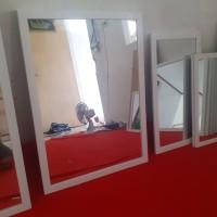 kaca cermin rias dinding uk 50x70 cm