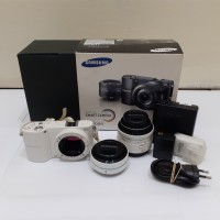 KAMERA MIRRORLESS SMART SAMSUNG NX1000 20-50MM