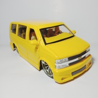 Jada Toys Diecast Chevrolet Astro Van
