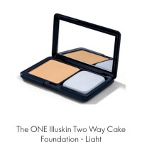 The One Illuskin Two Way Cake Foundation -- Light