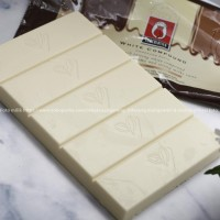 White Chocolate Compound Coklat Tulip Cokelat Putih Gading 200 gr