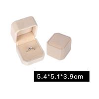 Jewelry Box Cincin, Gelang, Kalung, Warna Krem Beludru - Cincin