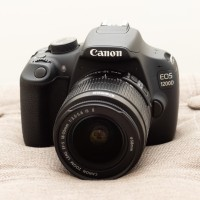 Canon EOS 1200D kit 18-55mm IS II Like New Dus