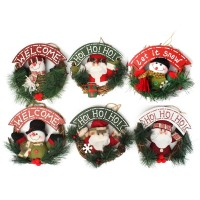 Ornamen Gantungan Pintu dengan Gambar Motif Santa Claus Bernuansa