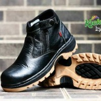 sepatu boots pria kerja casual formal safety kickers ( UJUNG BESI )
