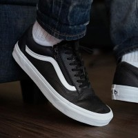Vans Old Skool Leather Zip Black White