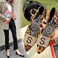 Sepatu Hak Pump Wanita Busana Musim Panas Menunjuk Leopard Berlian