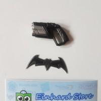 Mezco Batman Batarang and Grapple Gun set kitbash figma shf 1/12