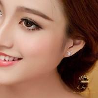 Anting Tusuk Lapis Emas Putih Aksen Kristal untuk Wanita