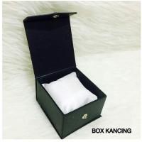 Box Jam Tangan Kancing