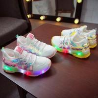 Sepatu Sneakers Sol Lembut Anti Slip dengan Lampu LED untuk Bayi