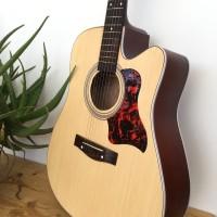 Gitar Akustik Murah Yamaha Paket BONUS Tas Gitar , Senar Gitar , Pick